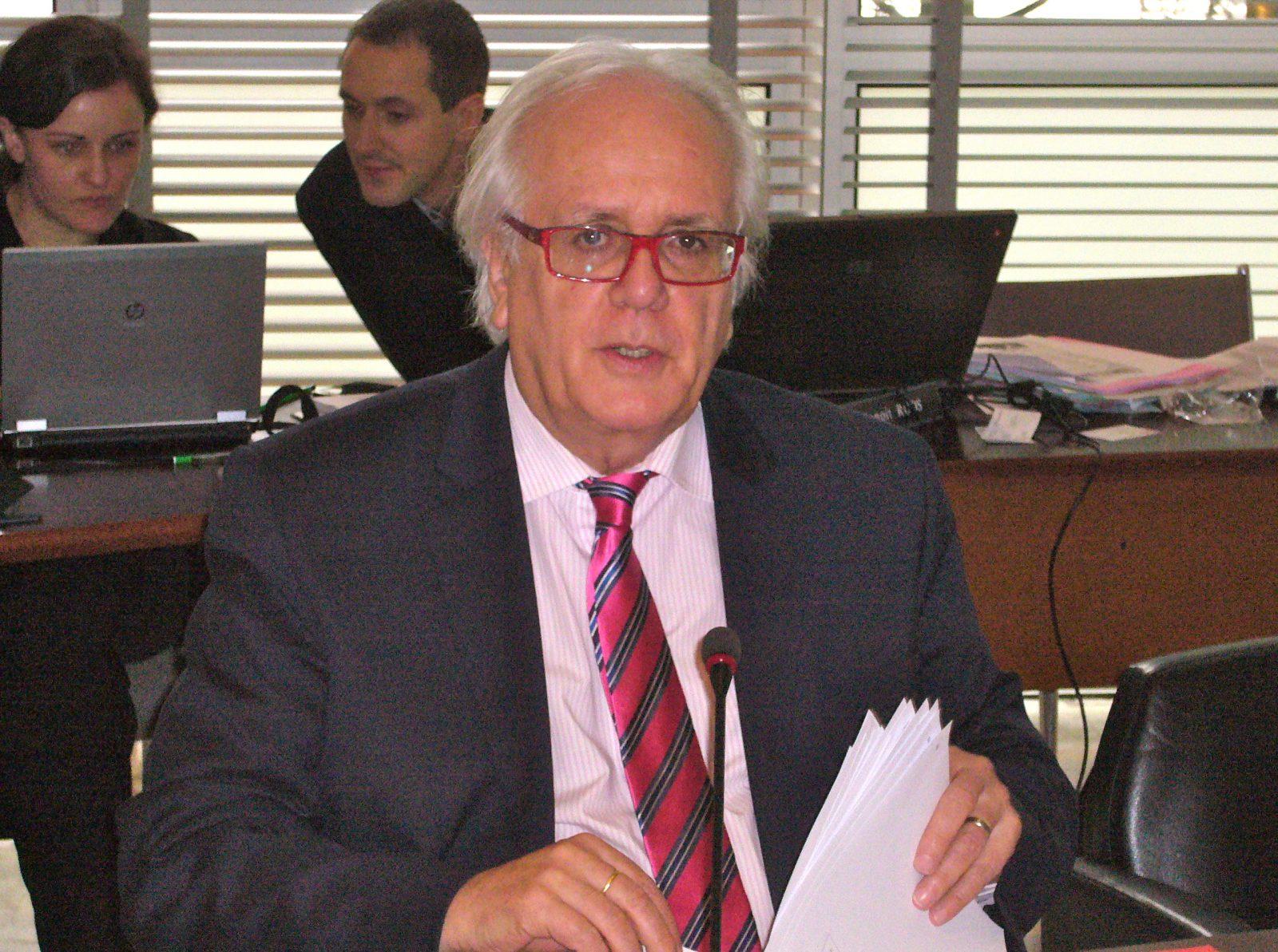 Yves Ackermann 28 janv CG 90