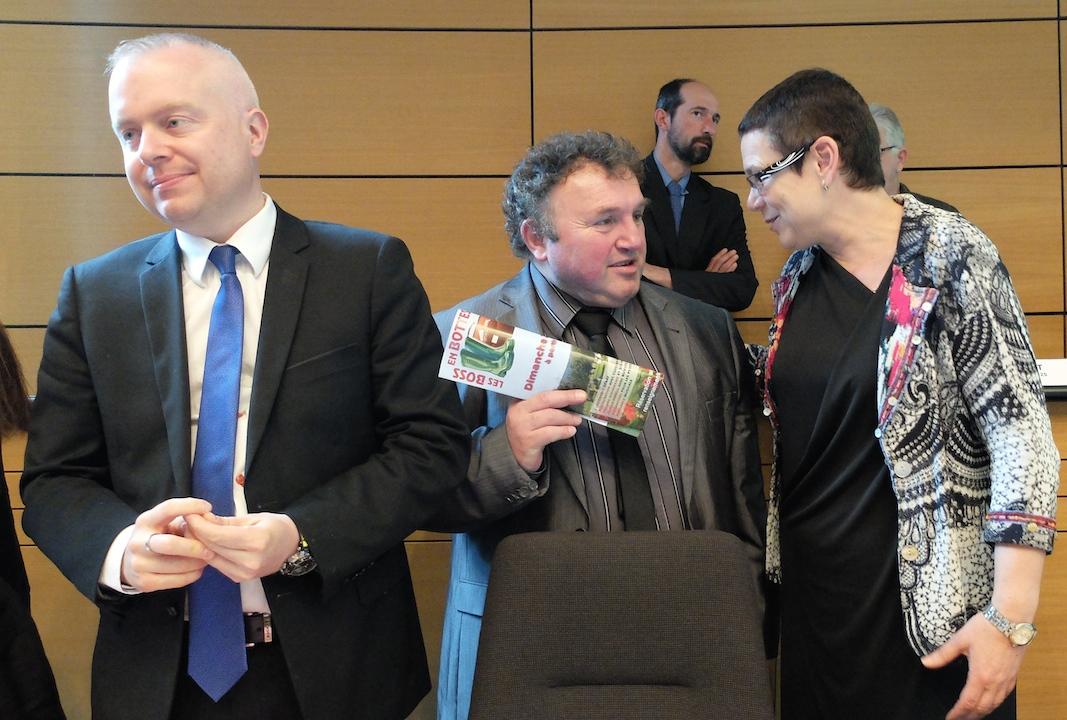 Daniel Prieur, entre Frédéric Rousse, vice-président du Territoire-de-Belfort, et Christine Bouquin, présidente du Doubs.