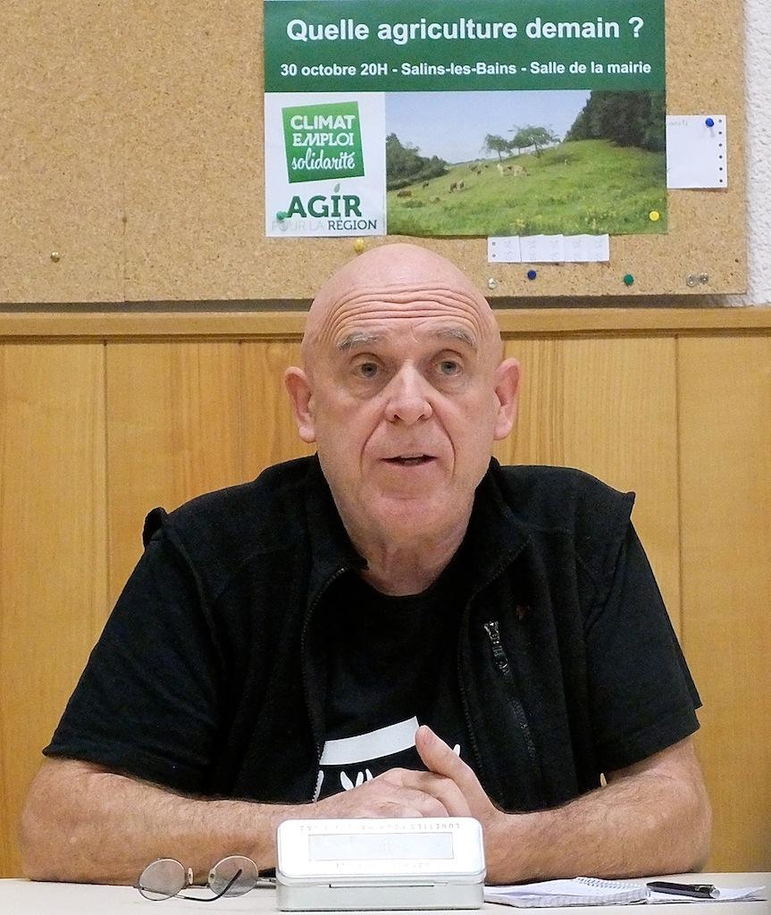 Paul Polis : « quel bonheur de travailler avec des animaux d'élevage : vaches, poules, canards...! »