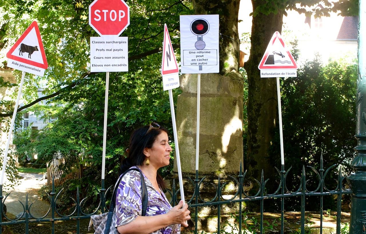 Jeudi 8 septembre, pendant un rassemblement d'une soixantaine d'enseignants en grève devant le rectorat à Besançon. (Photo Daniel Bordur)