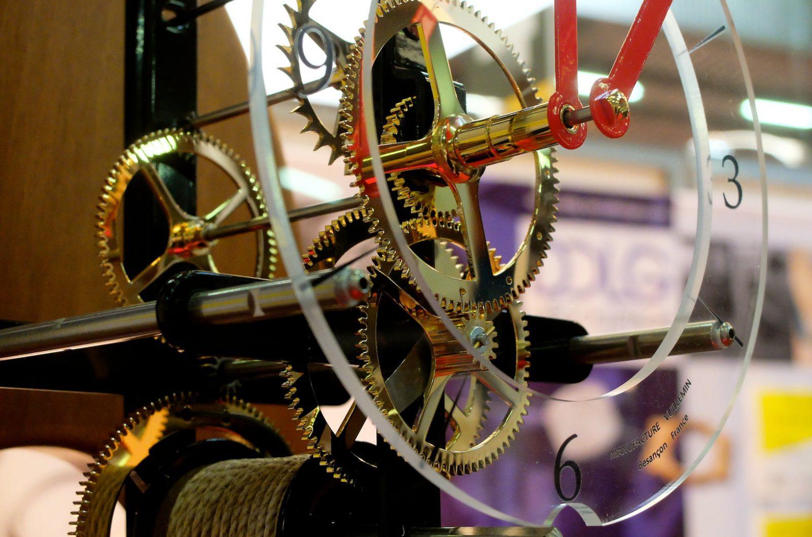 Une horloge Vuillemin sur le stand du Décolletage de la Garenne, à Micronora. (Photos Daniel Bordur)