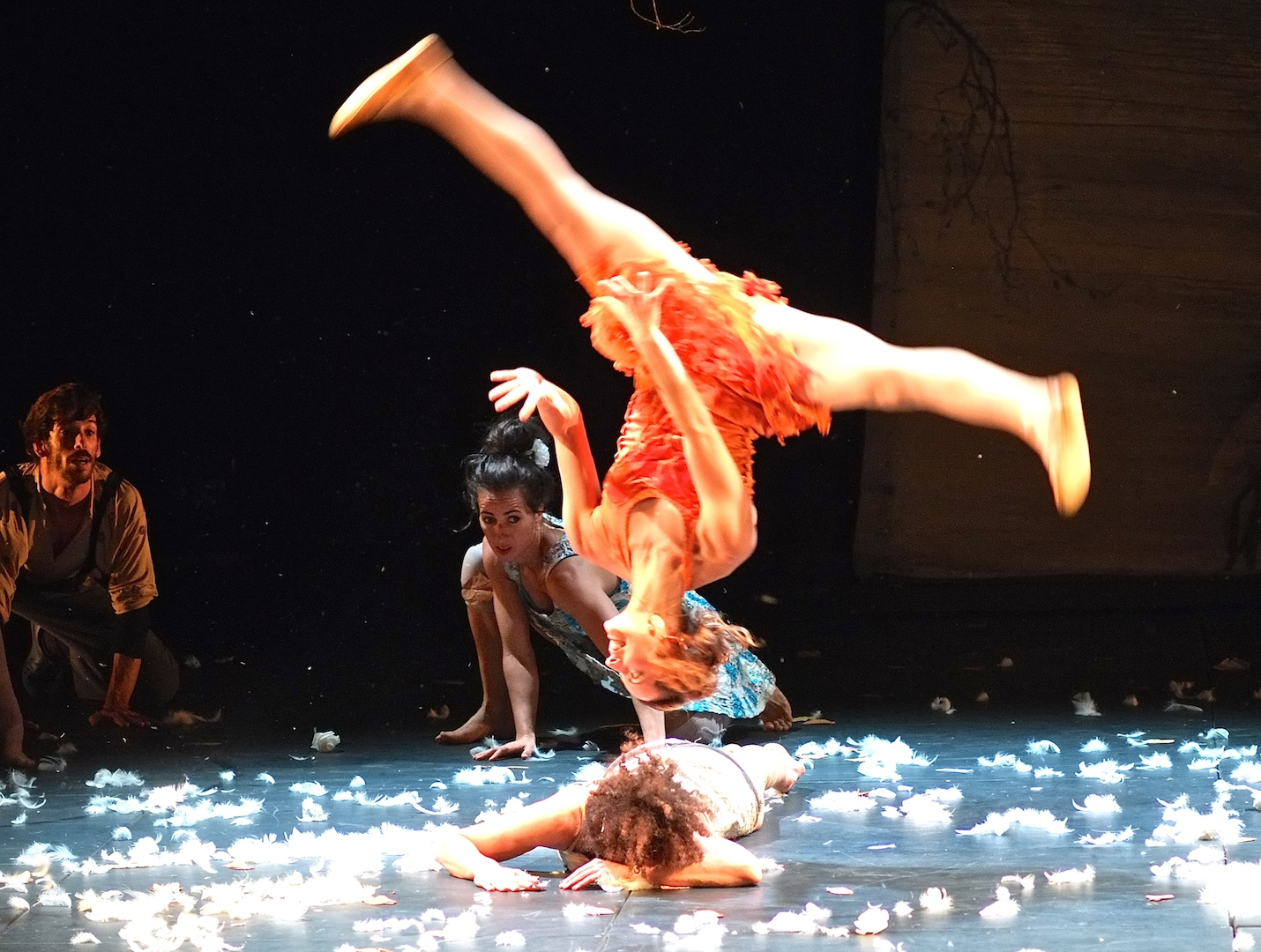 Nathalie Good... Cirque Plume, La Dernière saison (Photos Daniel Bordur)