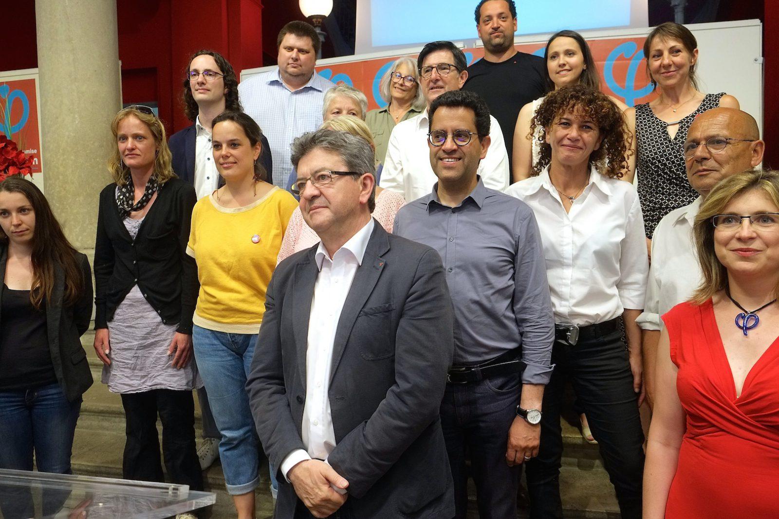 Jean-Luc Mélenchon et plusieurs des candidats de la France insoumise aux législatives en Bourgogne et Franche-Comté.