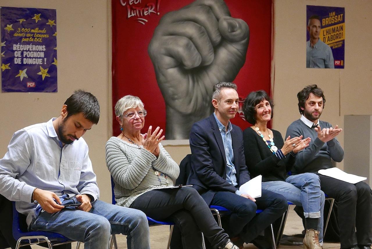 Ian Brossat, avec à sa gauche Isabelle Liron et Aurélien Aramini, et à sa droite Hasni Alem et Solange Joly qui, tous les quatre les précéderont au micro. (Photos DB)